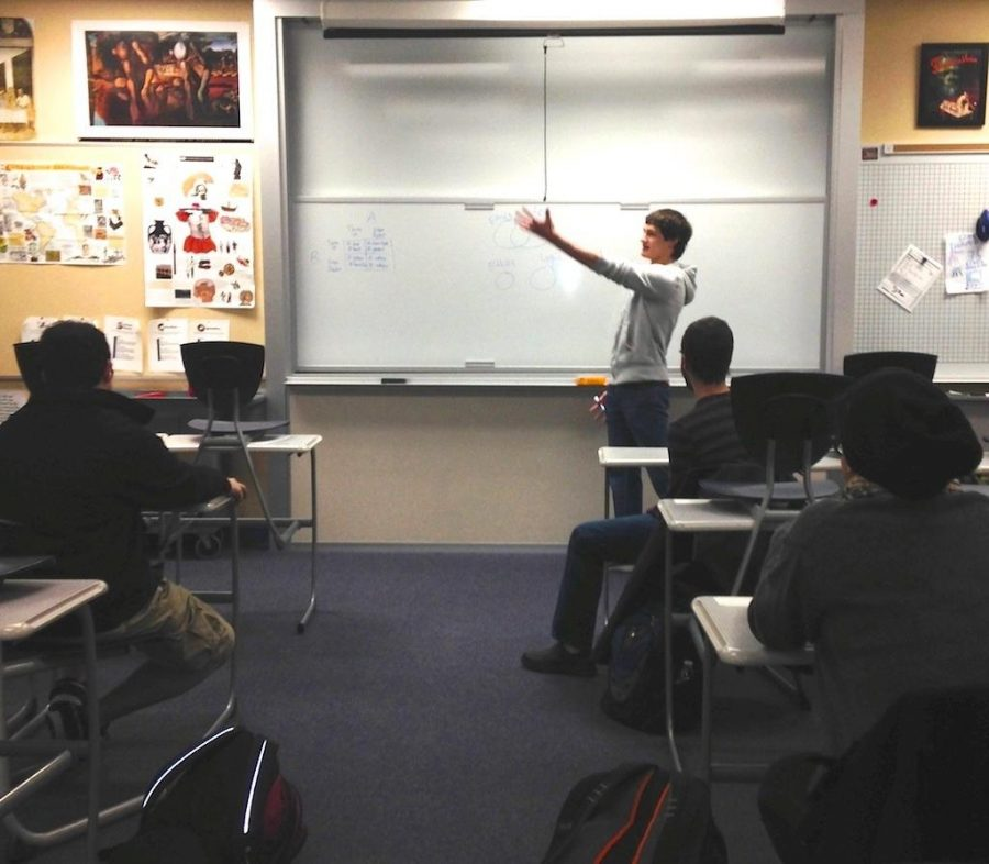 Philosophy Club discusses questioned topics