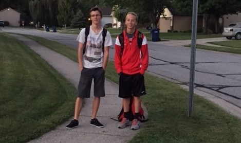 Two German exchange students stand together.