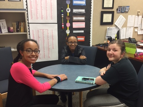 Stuttering Awareness Clubmeets to discuss the May Awareness Week at school on April 13 with students Kaila Claxton, Mackenzie Cabico, and Victoria Schuck. Photo by Carolina Puga Mendoza.