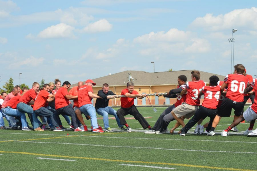 Teachers play Tug-of-War with the football players on the 2016 Homecoming pep rally. Photo by Tamera Sims.
