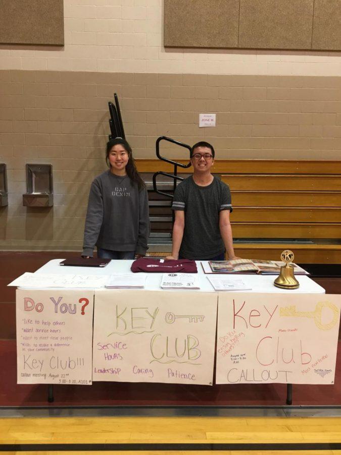 Co-presidents junior Rachel Lee and senior Jason Nguyen promote Key Club at the club fair on Aug. 27.