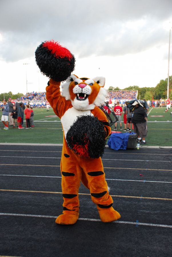 The school mascot of 2015-16 cheers on the crowds at the Mudsock game, which typically kicks off the countdown to Homecoming.